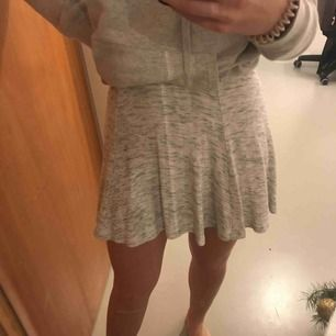 Så fin ljusgrå kjol från HM!