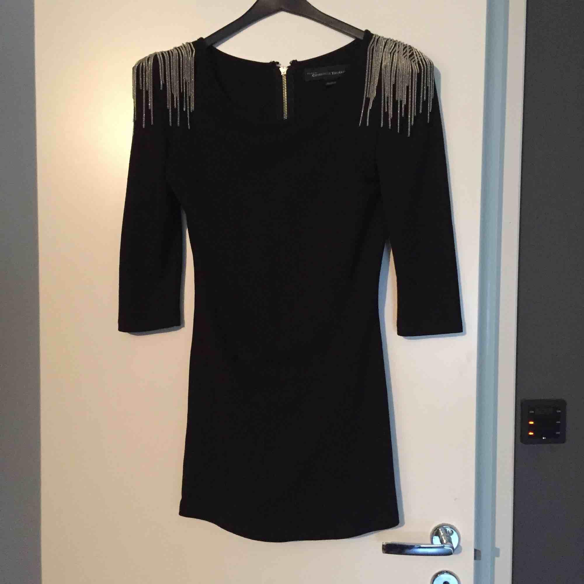 05bb46320aa4 Super snygg klänning från Bik bok, designer kollektion! Använd endast  1gång.. slimmad ...
