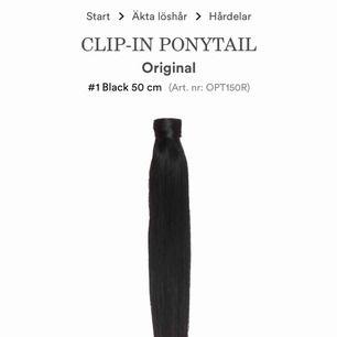 Hej! Jag säljer min 50 cm ponytail som är gjord av äkta hår. Man kan alltså färga och styla löshåret precis hur man vill. Den är köpt från Rapunzel Of Sweden för 1200kr.
