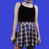 Supersnygg rutig kjol från h&m i storlek 34. Mäter cirka 34 cm tvärs över midjan. OBS! Det blåa I kjolen är mörkare i verkligheten än vad det ser ut på bild. Längd: 39-40 cm (mätt vid längsta delen på mitten av kjolen) köparen står för frakten! För denna kjol blir frakten 36 kr. Samfraktar gärna! 😊👍