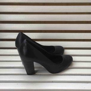 Svarta pumps från din sko, använda 1 gång. Köparen betalar frakt ✨