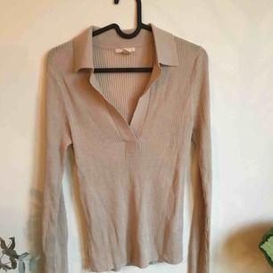 Superfin tröja från hm trend, aldrig använd då jag har den i två färger. Frakt 55kr tilkommer.