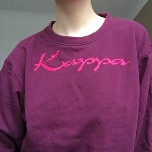 Jättesnygg vintage kappa sweatshirt köpt i Paris! Tyvärr använder jag den allt för sällan :(