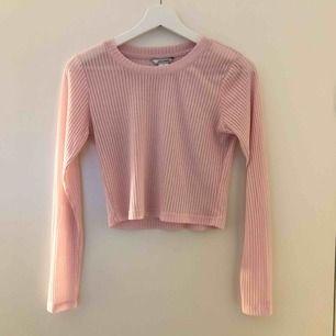 Ljusrosa tröja från Monki, transparanta ränder (se bild 3). 50kr + frakt 💕