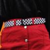 Supersnyggt rutigt bälte, har små märken som tyder på användning men inte sönder eller så, fint använd skick! Är en barnstorlek och det står 80 cm på bältet men det mäter 90 cm med spännet inräknat. Köparen står för frakten! Samfraktar gärna 👍😊