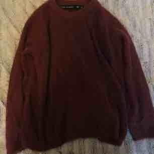 Mysig lite lurvig tröja, storlek M, frakt 18 kr 💗
