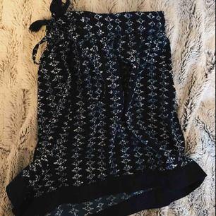 Shorts med knytning 🌸 Storlek m, 9 kr frakt