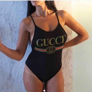 Säljer denna fina baddräkt som även går att använda som body, använd 2/3 gånger så den är i nyskick