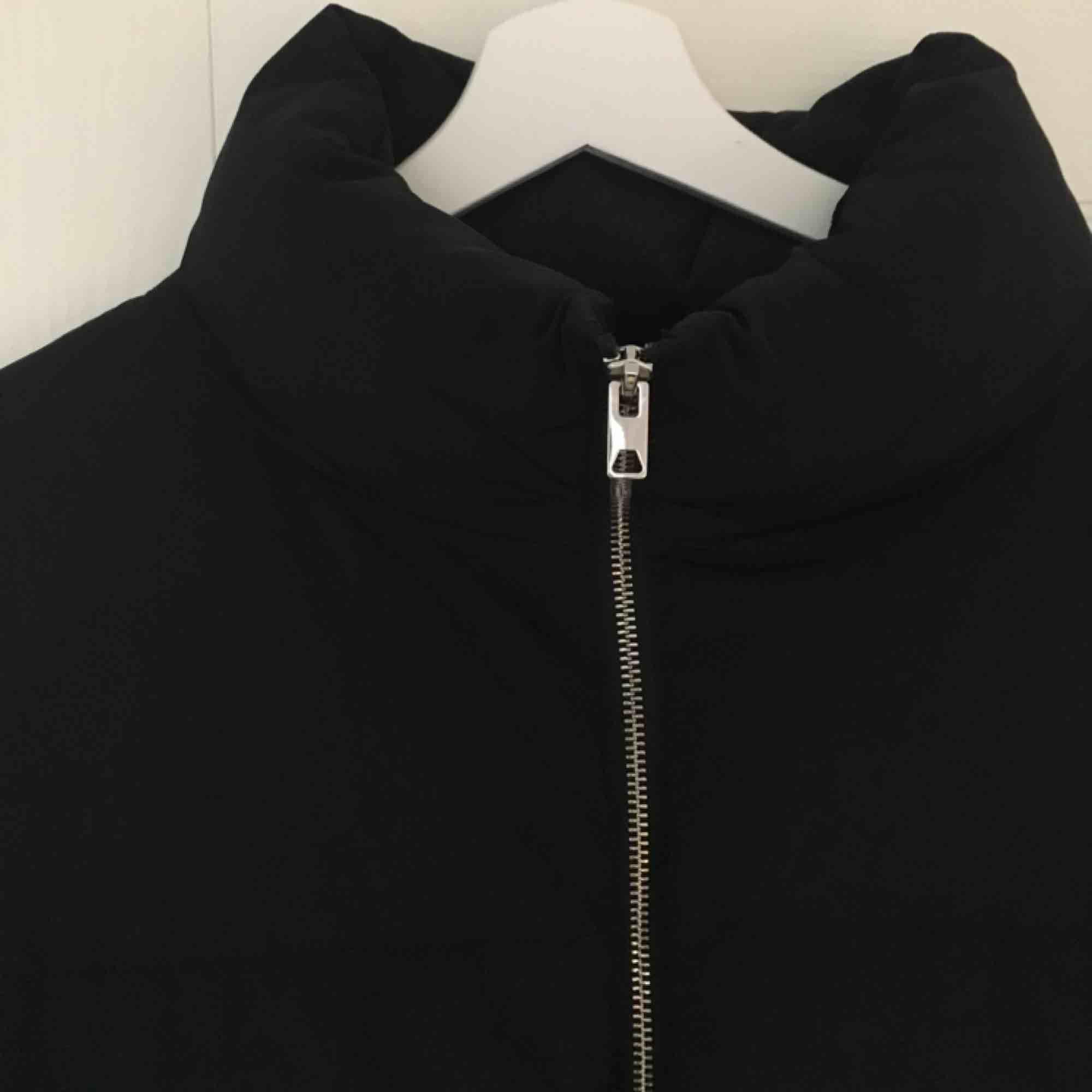 Puffer jacket från hm! möts gärna upp i Malmö, annars tillkommer frakt på 50kr :). Jackor.