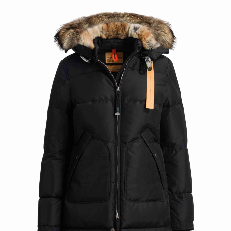 Byta parajumper long bear xxs extremt bra skick mot canada goose Victoria parka eller säljer för 6000. Jackor.