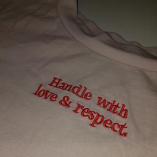 T-shirt från Monki i storlek S! Använd en eller två gånger, frakt tillkommer med 20 kr! 💞