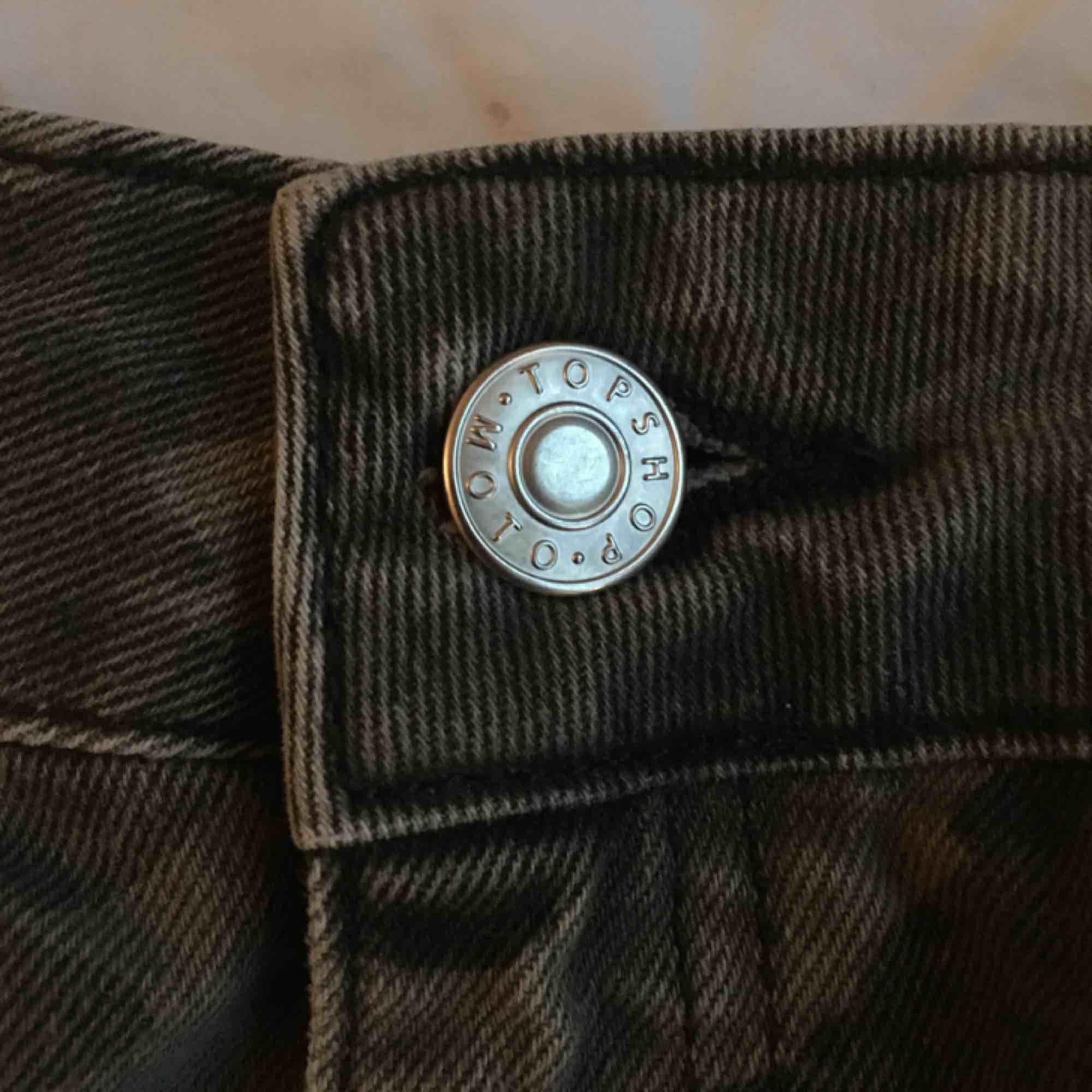 Camo kjol från topshop. Kjolar.