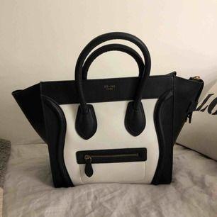 Säljer min Céline väska köpt i Dubai. Knappt använd därför inga stora defekter. Pris kan diskuteras :)