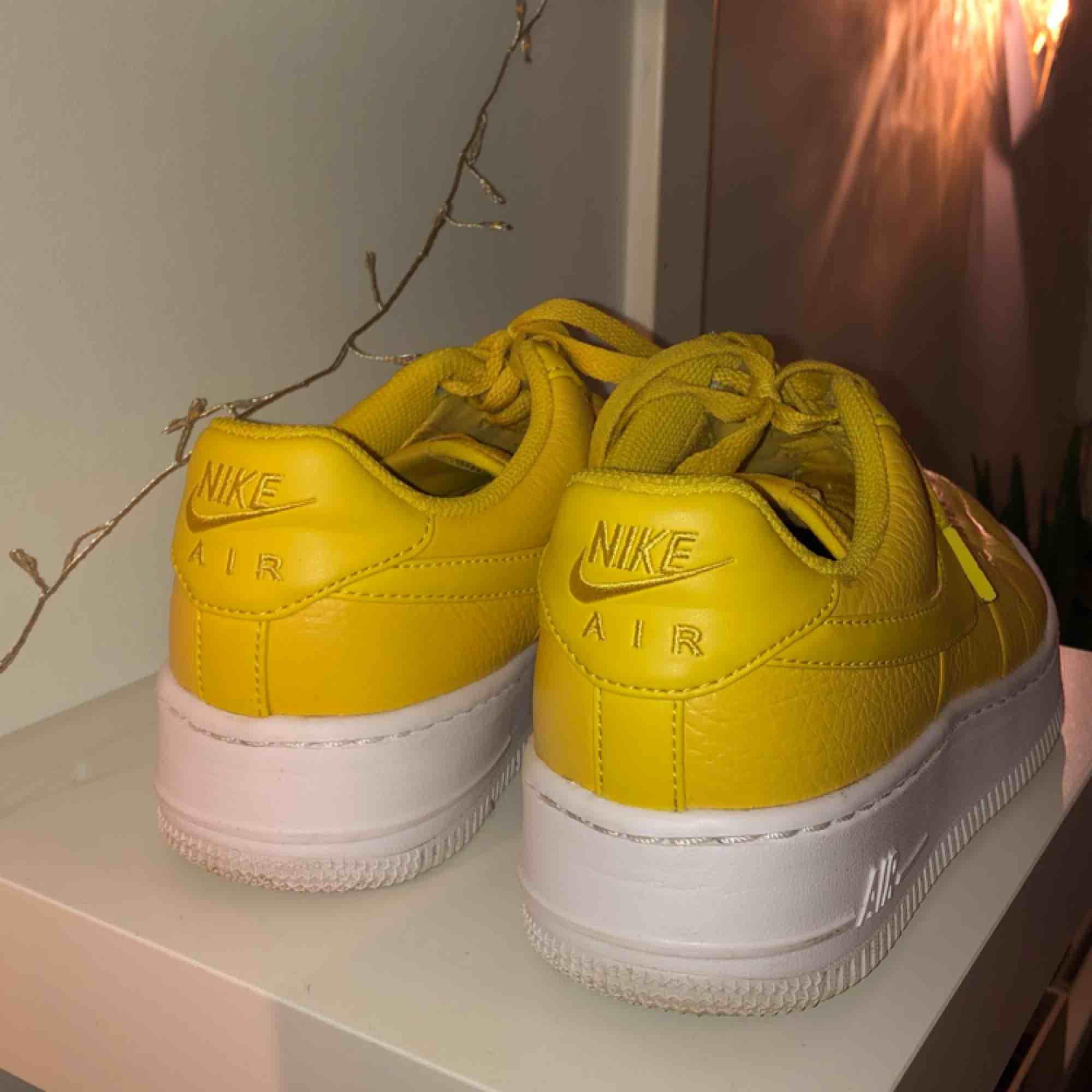 08b0ef91be4 Mina ääälskade, älskade gula Nike air force 1 som jag tyvärr inte får  användning av ...