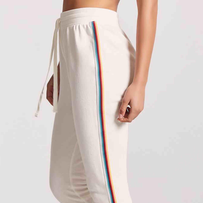 Supersköna coola mjukisbyxor med regnbågsdetalj från forever 21! Bild 1&2 är från hemsidan. Använda 2ggr! Strlk S. Jeans & Byxor.