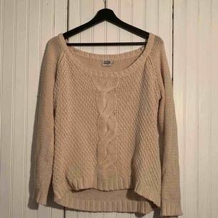 Beige stickad tröja från Twist & Tango i storlek M. Frakt tillkommer