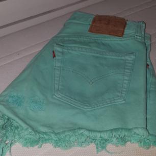 Oanvända levis shorts sjukt snygga i en unik mintgrön färg