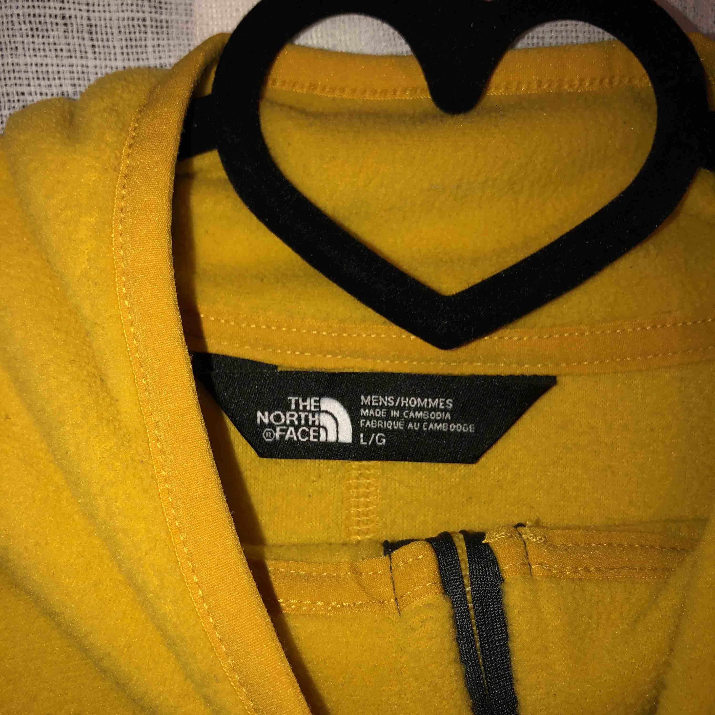 Mycket varm tröja från The North Face. Tröjor & Koftor.