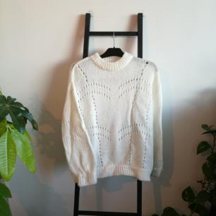 Varm tröja från Gina! Aldrig använd. Fraktas för 79kr eller möts upp i Stockholm.