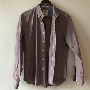 Skjorta från Levis i trevligt skick