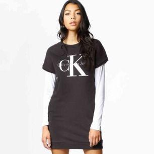 Calvin Klein klänning i mörkgrått. Stl S. Fint skick. Frakt kostar 58 kr.