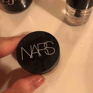Täckande krämig matt concealer från Nars, använd 3 gånger så det är mycket produkt kvar! Färgen är medium 2 ginger
