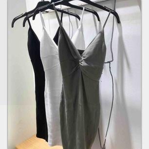 Helt oanvänd vit klänning från bikbok, lapparna är kvar💕