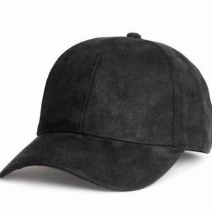 Mkt snygg svart mocka keps köpt från H&M💕
