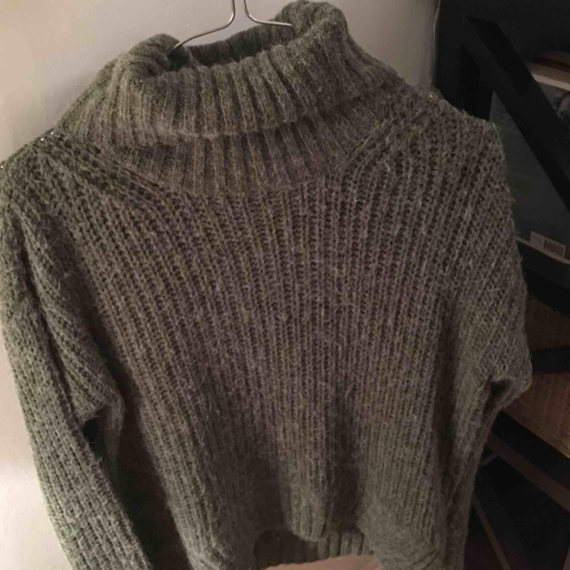 Mysig grön tröja . Huvtröjor & Träningströjor.