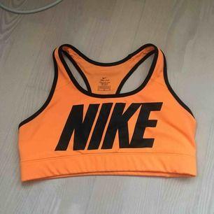 Orange sport-Bh från Nike! Köpare står för frakt🧡🧡