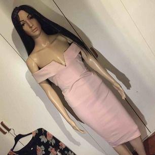 världens finaste puderrosa klänning 🤩