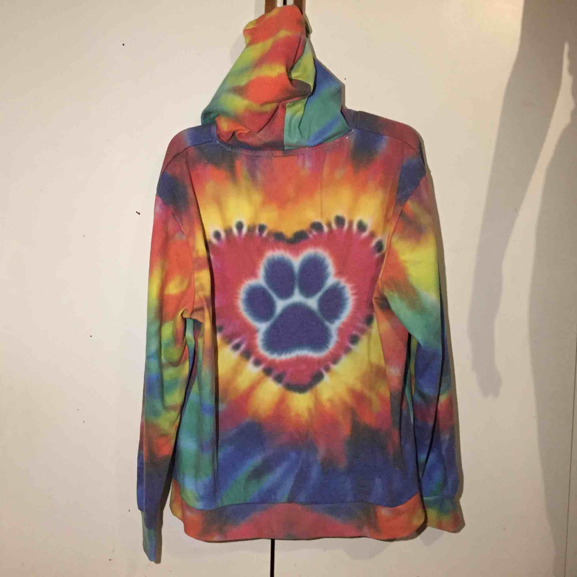 Står L men tycker mer M. Asmysig hoodie 🐶. Huvtröjor & Träningströjor.