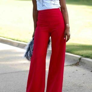 OANVÄNDA & världens snyggaste byxor från Zara. Prislappen sitter till och med kvar, men det blev fel storlek och jag hann inte byta dom🙏🏼