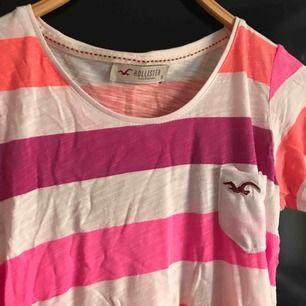 T-shirt från Hollister. 40kr + frakt. Betalning via swish💞