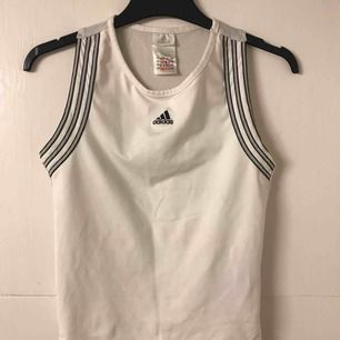 Vintage adidas shirt. Stretchy