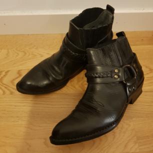 Vintage skinnboots. Älskar men har för mkt skor.