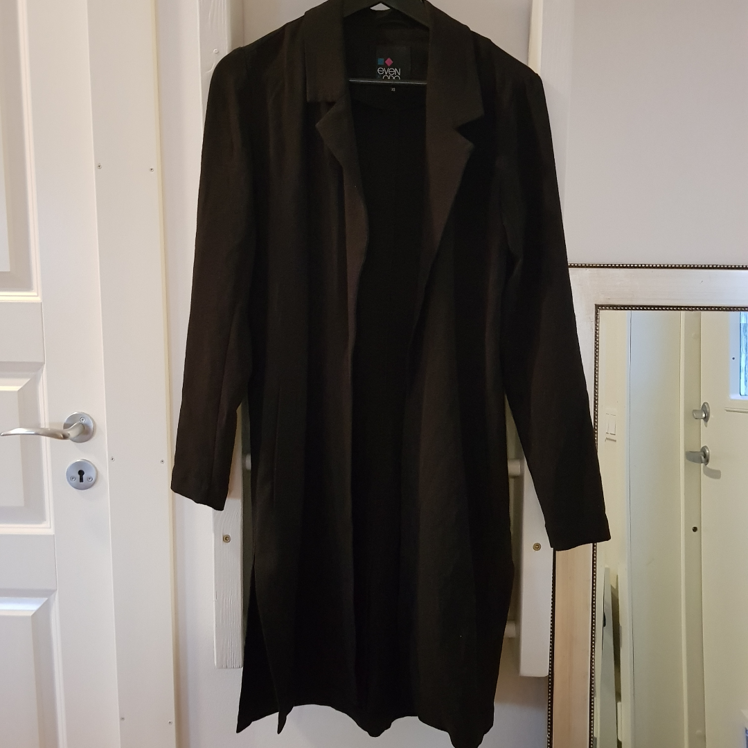 Even & Odd black light summer jacket  Condition: Great, worn only a few times Size: XS  Can send via post or meet up in Uppsala. Jackor.
