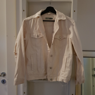 Topshop off-white Moto denim jacket Condition: Excellent only worn a few times Size: 36  Can send via post or meet up in Uppsala
