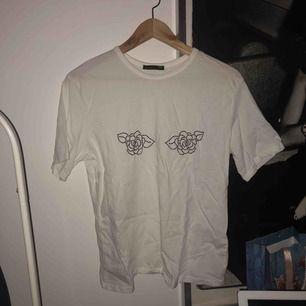 T-shirt från zara. 60kr inkl frakt!