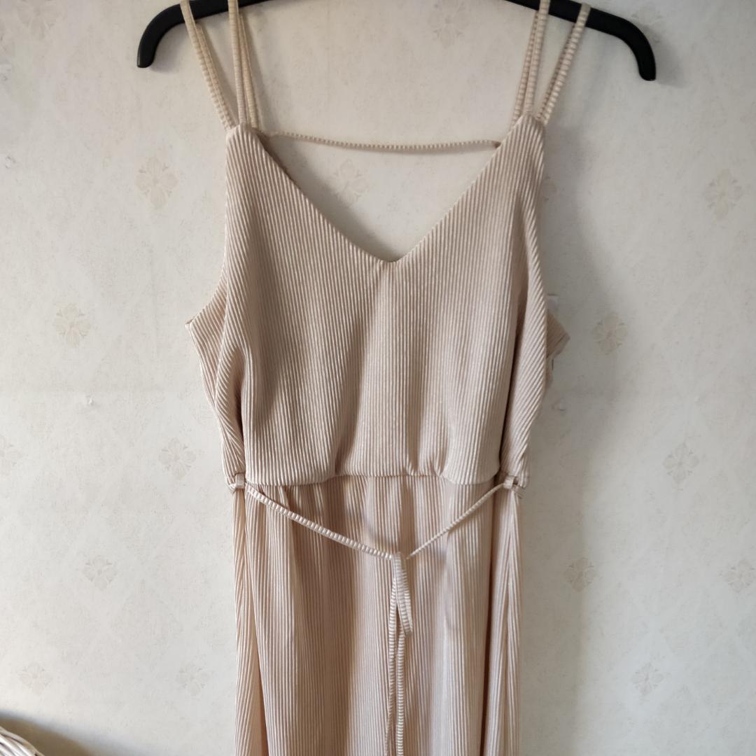 Ny klänning I strl L. Klänningar.