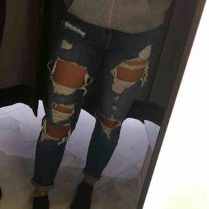 Slitna jeans från bikbok, dem är mer som S då dem är lite stora i strl.