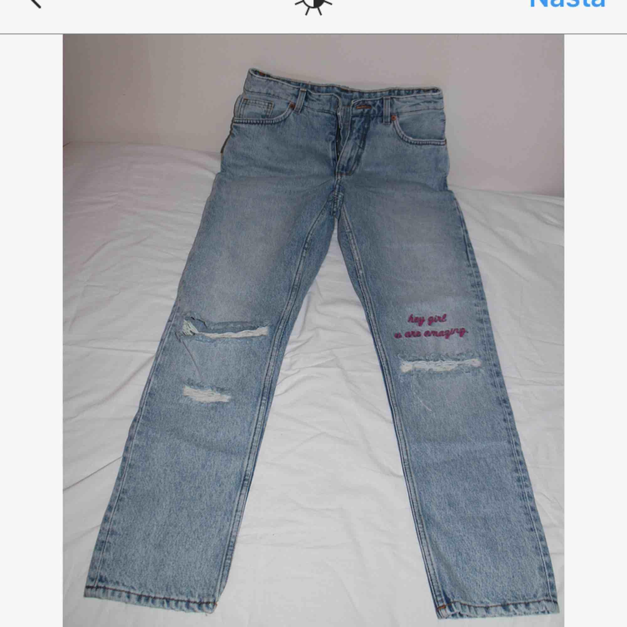 Supersnygga jeans från MONKI! - Monki Jeans   Byxor - Second Hand 79570aa289e87