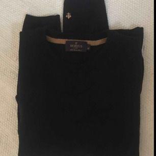 Morris tröja i 100% Marino Wool, storlek M men skulle säga att den mer lutar åt S. Så gott som ny!:)