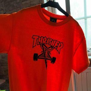 Thrasher T-shirt aldrig använd! färgen är neon orange. pris kan diskuteras!