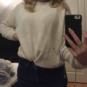 Jättefin stickad sweatshirt i mysigt material som inte kliar!🖤🖤