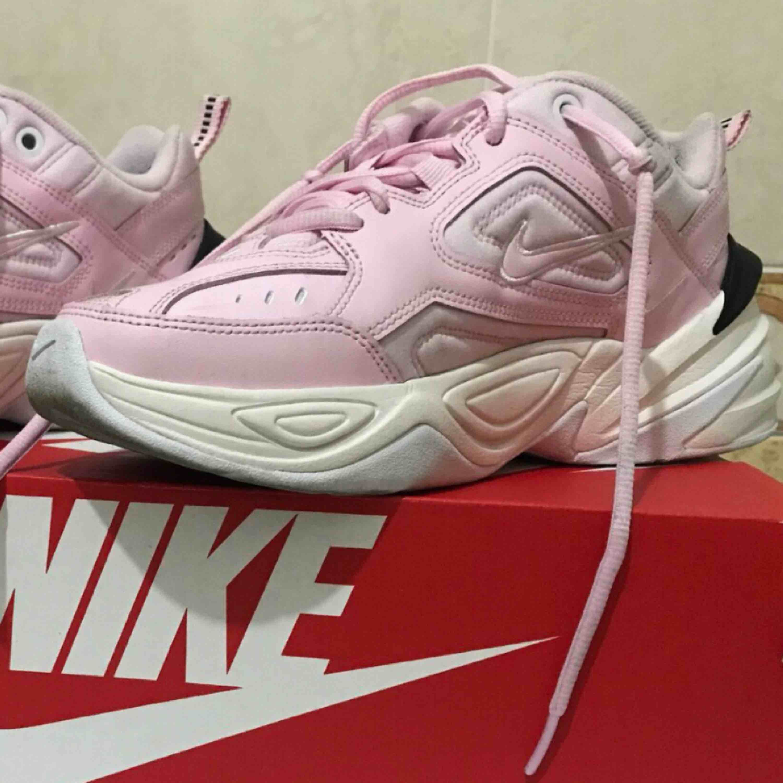 Nike m2k tekno. Skor.