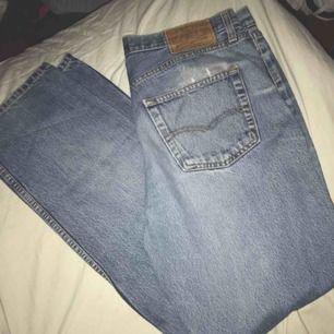 Jeans W34 L32 Ungefär storlek: M Frakt tillkommer💫