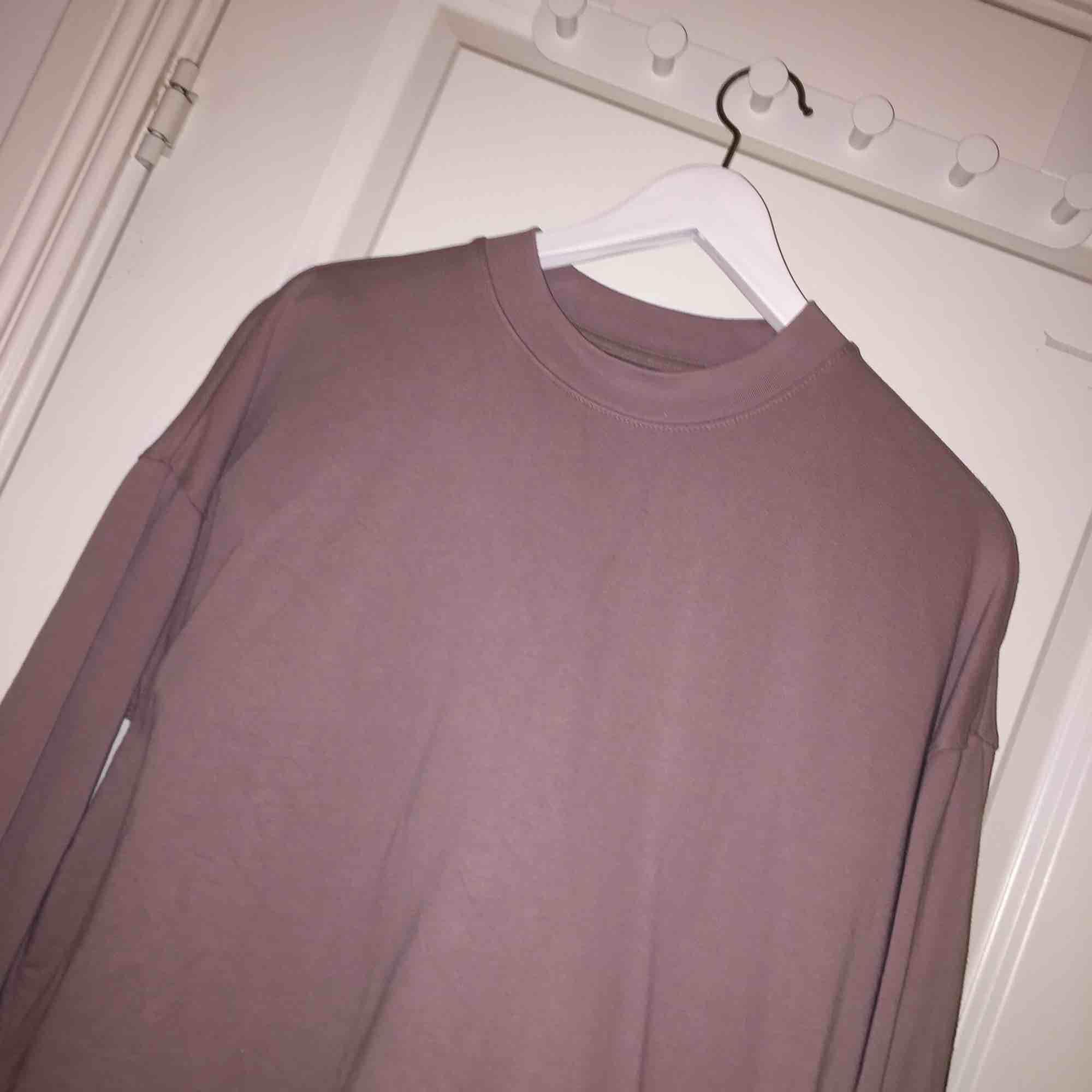 cool tröja från Carlings, S, frakt ca 60 kr.. Huvtröjor & Träningströjor.