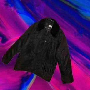 Vintage ESPRIT light parka jacket with fake fur collar. 90s style. Price includes shipping.