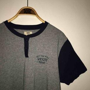 Vans t-shirt som är i nytt skick!